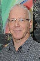 Gerhard Klaus ist Abteilungsleiter für die Mittelstufe am AvH - © uni datum print GmbH