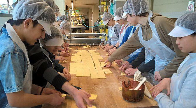 Nachwuchscampus – Die Klasse 8c lernt die Bäckerei Wedemann kennen