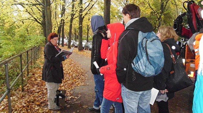Literarischer Spaziergang rund um die Alster mit Frau Johannsen