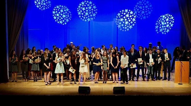 Der AvH-Abitur-Jahrgang 2017 in der Eberthalle