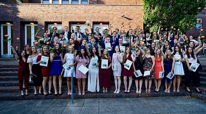 Der AvH-Abitur-Jahrgang 2018 in der Eberthalle